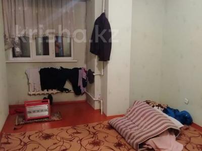 4-комнатная квартира, 100 м², 8/9 этаж, Проспект Тауке-хана 88 за 18 млн 〒 в Шымкенте, Аль-Фарабийский р-н — фото 2