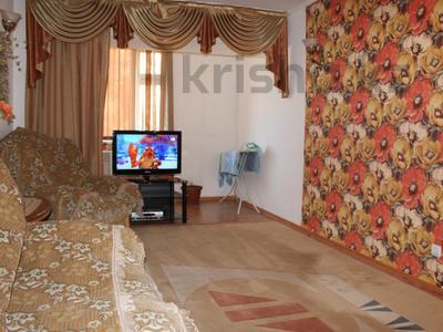 2-комнатная квартира, 65 м², 1/5 эт. посуточно, 4-й микрорайон 68 за 8 000 ₸ в Актау