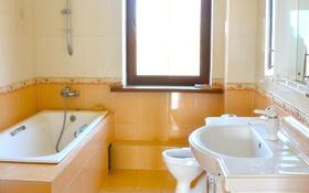 """8-комнатный дом помесячно, 420 м², 12 сот., Ул """"Самал"""" за 320 000 〒 в Кыргауылдах"""