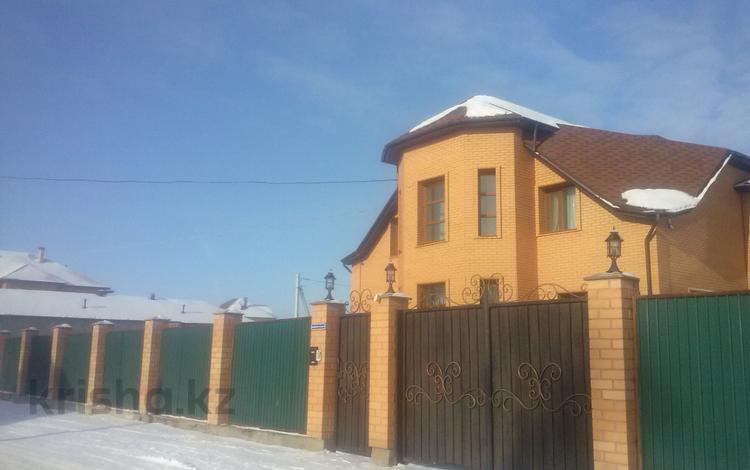 5-комнатный дом, 365 м², 10 сот., Елебекова 9 за 75 млн 〒 в Караганде, Казыбек би р-н