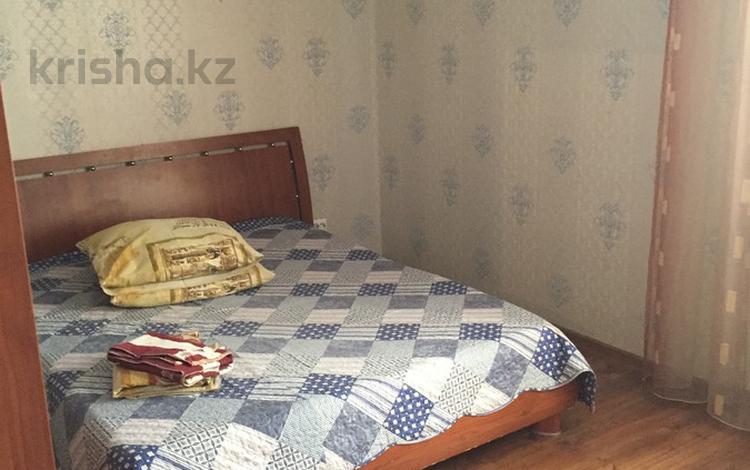 2-комнатная квартира, 58 м², 5/15 этаж посуточно, Кенесары 8 — Сарыарка за 11 000 〒 в Нур-Султане (Астана), Сарыаркинский р-н