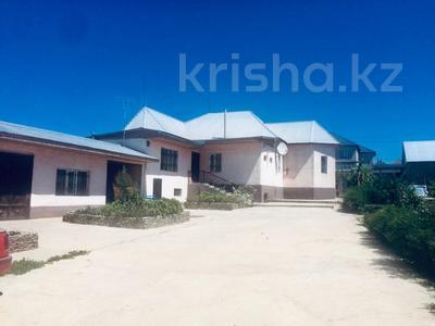 5-комнатный дом, 777 м², 14 сот., Пахтакор — Дияна остановка за 28 млн ₸ в Шымкенте, Енбекшинский р-н