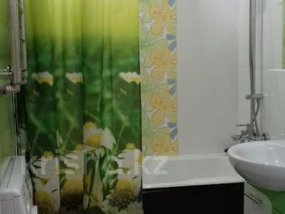 2-комнатная квартира, 60 м², 5/5 эт. посуточно, Астана 16/1 — проспект Независимости за 11 000 ₸ в Усть-Каменогорске — фото 2