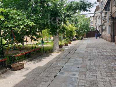 2-комнатная квартира, 52 м², 4/4 эт., Туркестанская 3 — Пл Альфараби за 9.8 млн ₸ в Шымкенте, Аль-Фарабийский р-н