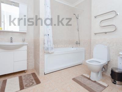 2-комнатная квартира, 65 м², 4/23 эт. посуточно, Сарайшык 7А за 16 000 ₸ в Астане, Есильский р-н — фото 14