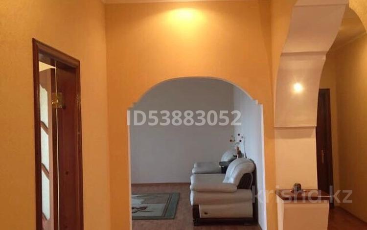 4-комнатная квартира, 174 м², 4 этаж, Уалиханова 35б — Жанкожа батыра за 32 млн 〒 в Актобе, Старый город