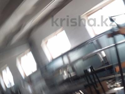 Промбаза 12 соток, Гастелло 3а — Бажова за 50 млн 〒 в Усть-Каменогорске — фото 8