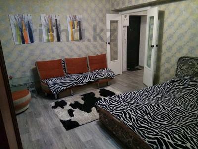 1-комнатная квартира, 42 м² посуточно, Панфилова — Маметовой за 6 000 ₸ в Алматы, Алмалинский р-н