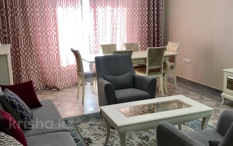 2-комнатная квартира, 68 м², 9/21 этаж помесячно, мкр Самал-2 за 380 000 〒 в Алматы, Медеуский р-н