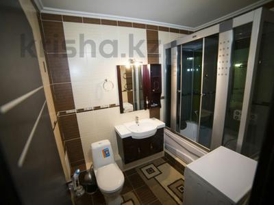 2-комнатная квартира, 75 м², 8/10 эт. посуточно, Гагарина — Альфараби за 13 000 ₸ в Алматы — фото 4