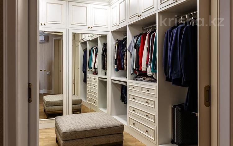 8-комнатная квартира, 377 м², 21/22 этаж, Кабанбай батыра за 350 млн 〒 в Алматы, Алмалинский р-н