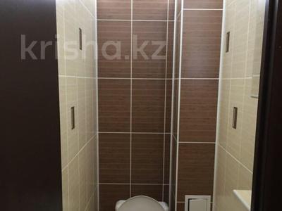 1-комнатная квартира, 37 м², 5/9 эт. посуточно, 11 мкр. 81 за 5 000 ₸ в Актобе, мкр 11 — фото 3