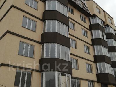 1-комнатная квартира, 41 м², 2/6 этаж, мкр Айнабулак-2 40а — Палладина за ~ 11.2 млн 〒 в Алматы, Жетысуский р-н