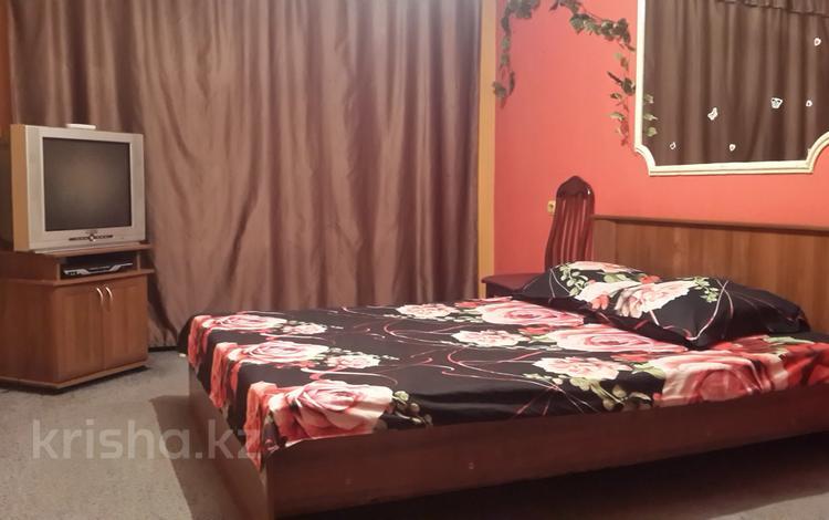 1-комнатная квартира, 32 м², 3/5 этаж по часам, Наурызбай батыра 23 — Жибек жолы за 1 000 〒 в Алматы, Алмалинский р-н