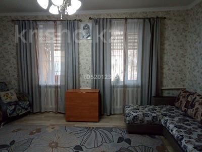 3-комнатный дом, 80 м², 4 сот., Райымжанова 17 — Победа за 9.5 млн 〒 в Каргалы (п. Фабричный) — фото 2