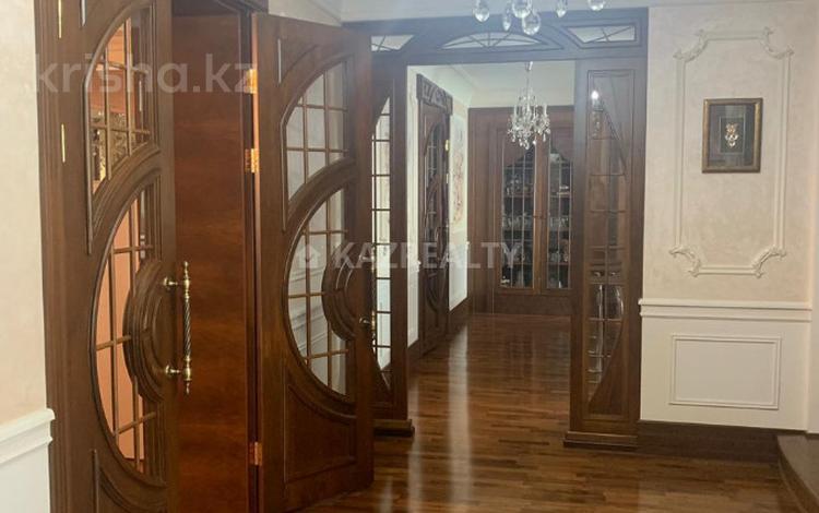 7-комнатная квартира, 450 м², 5/7 эт., проспект Туран за 247 млн ₸ в Нур-Султане (Астана), Есильский р-н