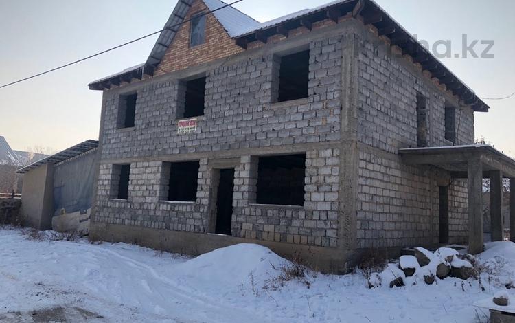 8-комнатный дом, 180 м², 8 сот., Окжетпес 10 за 9.5 млн ₸ в Каскелене