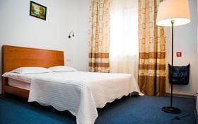 1-комнатная квартира, 32 м², 3/4 этаж помесячно, Утемисова 99A — Гурьевская за 250 000 〒 в Атырау