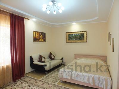 1-комнатная квартира, 50 м², 4/5 эт. посуточно, 15-й мкр, 15 мкр 25 за 10 000 ₸ в Актау, 15-й мкр