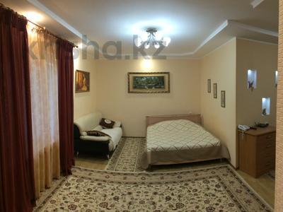 1-комнатная квартира, 50 м², 4/5 эт. посуточно, 15-й мкр, 15 мкр 25 за 10 000 ₸ в Актау, 15-й мкр — фото 12