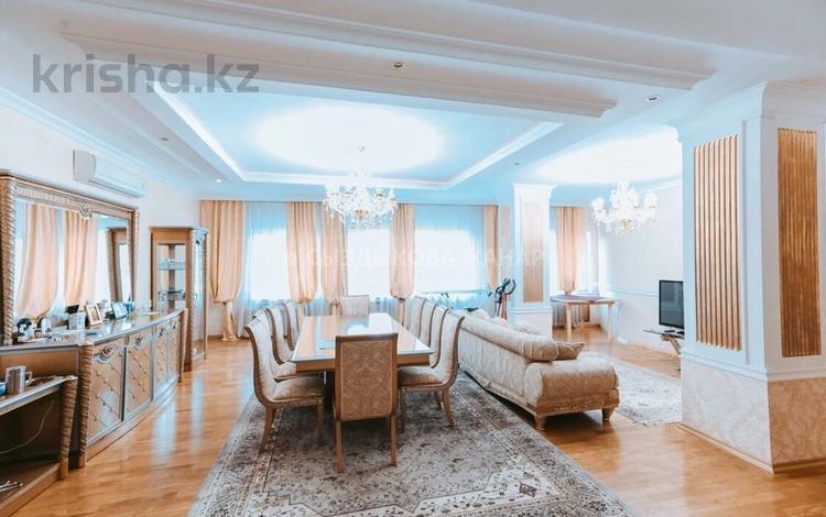 4-комнатная квартира, 255 м², 5/11 этаж, Динмухамеда Кунаева 29 за 83 млн 〒 в Нур-Султане (Астана), Есиль р-н