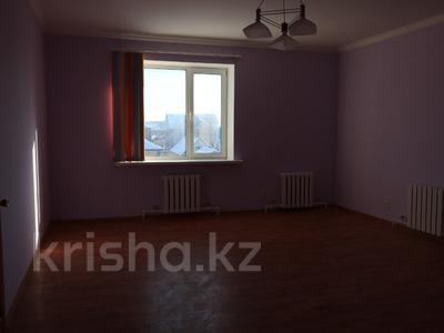 8-комнатный дом, 300 м², 10 сот., Сельмаш 52 за 54.5 млн ₸ в Актобе — фото 2