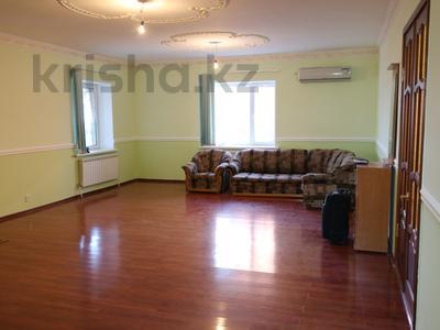 8-комнатный дом, 300 м², 10 сот., Сельмаш 52 за 54.5 млн ₸ в Актобе — фото 10