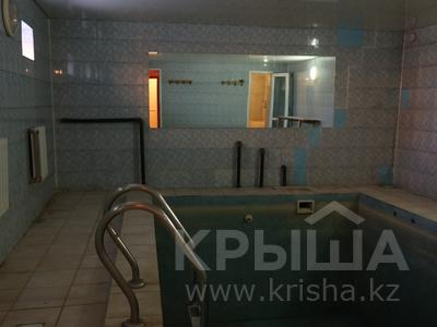 8-комнатный дом, 300 м², 10 сот., Сельмаш 52 за 54.5 млн ₸ в Актобе — фото 18