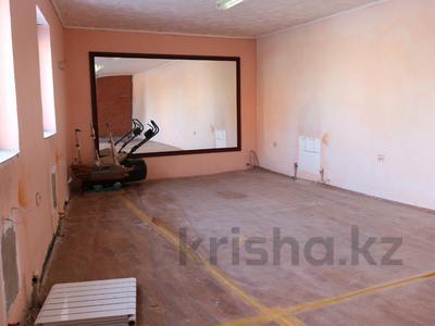 8-комнатный дом, 300 м², 10 сот., Сельмаш 52 за 54.5 млн ₸ в Актобе — фото 19