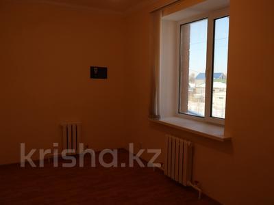 8-комнатный дом, 300 м², 10 сот., Сельмаш 52 за 54.5 млн ₸ в Актобе — фото 4