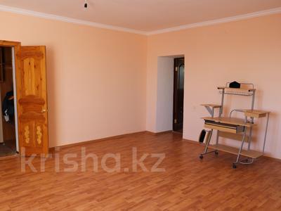 8-комнатный дом, 300 м², 10 сот., Сельмаш 52 за 54.5 млн ₸ в Актобе — фото 5