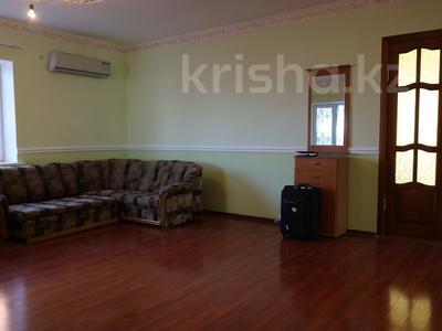 8-комнатный дом, 300 м², 10 сот., Сельмаш 52 за 54.5 млн ₸ в Актобе — фото 9