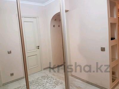2-комнатная квартира, 50 м², 3 эт. по часам, Бухар жырау за 1 500 ₸ в Караганде, Казыбек би р-н — фото 3