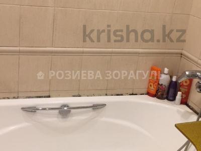 4-комнатная квартира, 100 м², 4/5 эт., Кожамкулова — Кабанбай Батыра за 38.9 млн ₸ в Алматы, Алмалинский р-н — фото 6