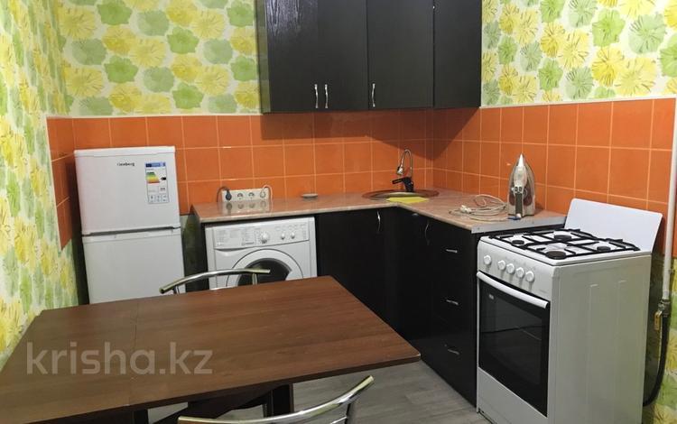 1-комнатная квартира, 35 м², 1/1 эт. посуточно, мкр Достык, Аккогершин за 5 000 ₸ в Алматы, Ауэзовский р-н