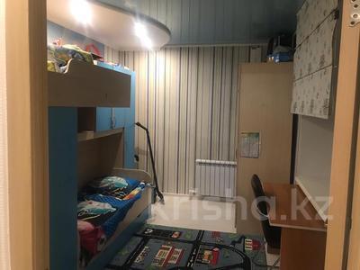 3-комнатная квартира, 62 м², 5/5 эт., Кривогуза 17 — Чкалова за 16 млн ₸ в Караганде, Казыбек би р-н — фото 14