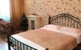 1-комнатная квартира, 40 м², 18/22 эт. посуточно, Нажимеденова 10 — Тауелсиздык за 8 000 ₸ в Нур-Султане (Астана)