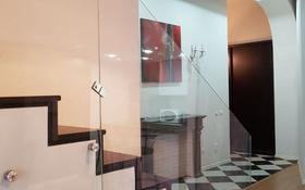 2-комнатная квартира, 100 м², 3/5 этаж помесячно, Ержанова 18/6 за 250 000 〒 в Караганде, Казыбек би р-н