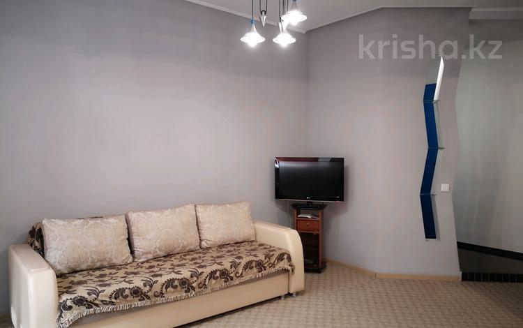 2-комнатная квартира, 60 м², 2/5 этаж посуточно, Крупской 82/1 — Короленко за 8 000 〒 в Павлодаре