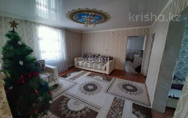 4-комнатный дом, 77 м², Репина 1б за 13 млн 〒 в Семее