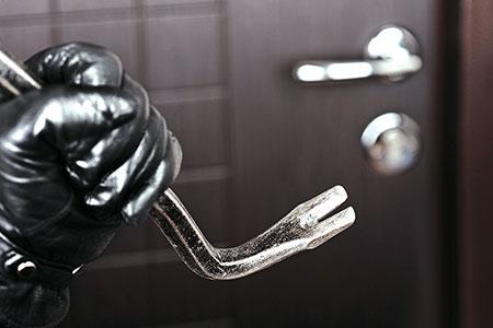 Новости: Двое мужчин задержаны вАлматы поподозрению вквартирныхкражах