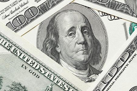 Новости: Казахстанцы начали избавляться от долларов