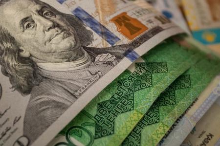Новости: Moody 's прогнозирует дальнейшее ослабление тенге