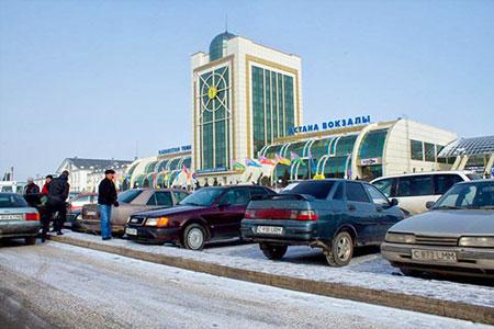 Новости: Исекешев поручил выгнать таксистов-нелегалов свокзала Астаны
