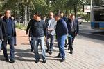Новости: Байбек отчитал подрядчиков занекачественную укладку брусчаткиигазонов