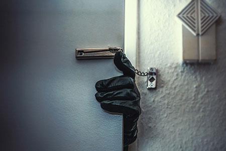 Новости: В Алматы задержали воров-домушников