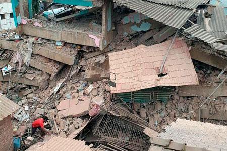 Новости: ВИндии обрушилось жилое здание— под завалами могут находиться до200 человек