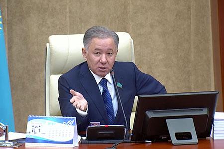 Новости: Нигматулин раскритиковал Казцентр ЖКХ