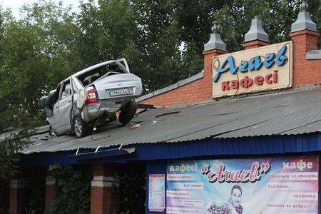 Новости: В уральском кафе чуть не рухнула крыша
