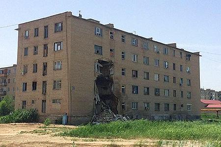 Новости: В Атырау развалилось общежитие